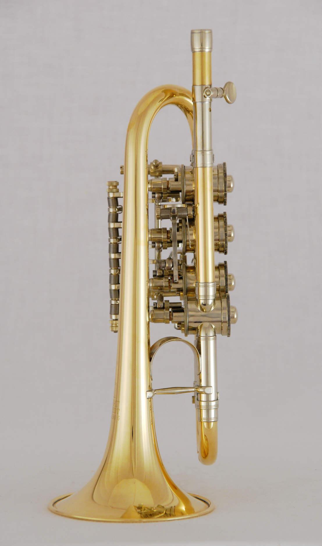 D Hoch B A Trompete Mit Drehventilen